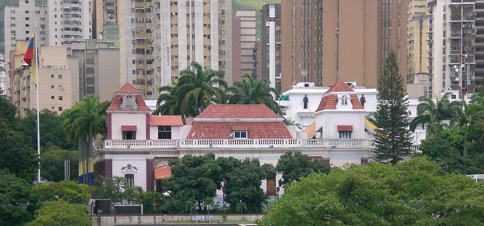 Fachada del Palacio de Miraflores