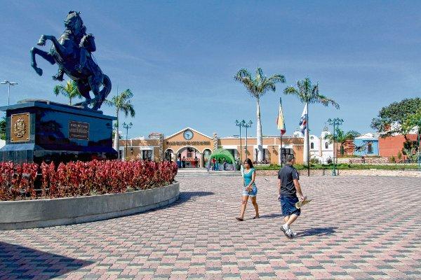 plaza del estado vargas