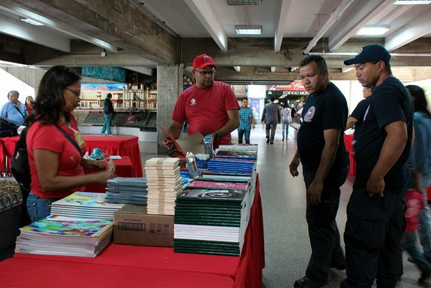 Feria Escolar Parque Central