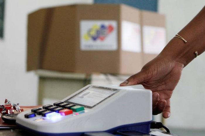 Parlamentarias 6D oficialismo vs oposición (encuesta IVAD)