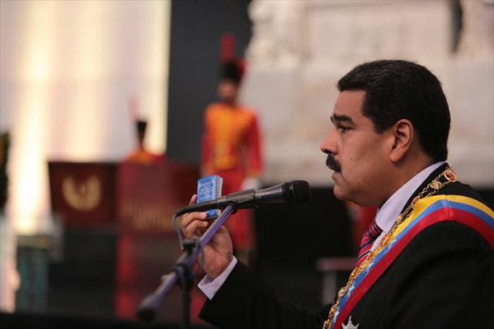 ¿Cómo revocar a Maduro en 5 pasos según la constitución?