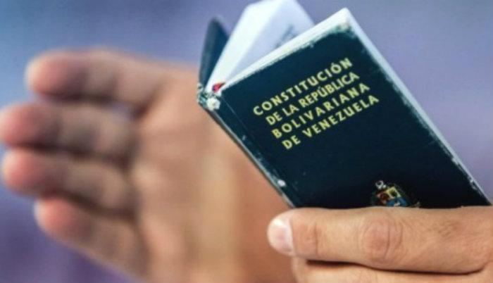 23 de enero - Entrada en vigencia constitución del 61