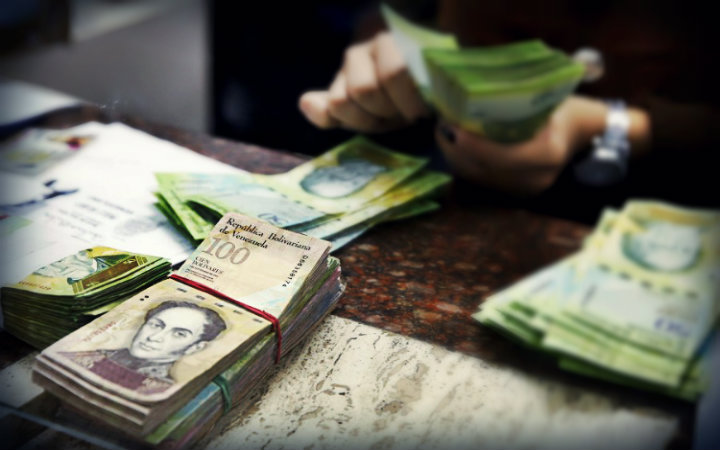 Venezuela importa toneladas de billetes