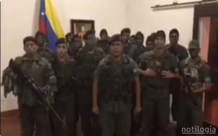 Alzamiento en Fuerte Paramacay despertó a valencia  este domingo