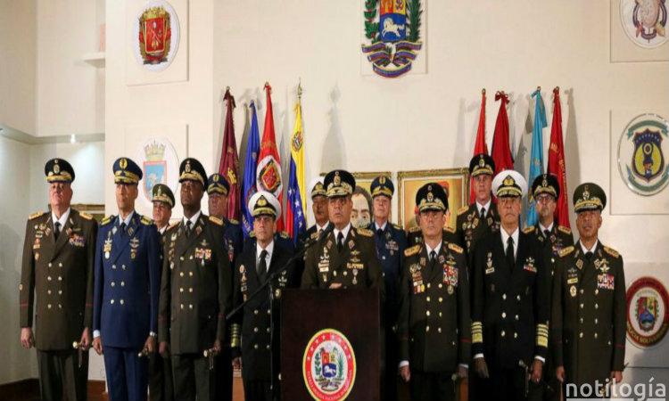 Alto mando militar de Venezuela saca a familiares del pais