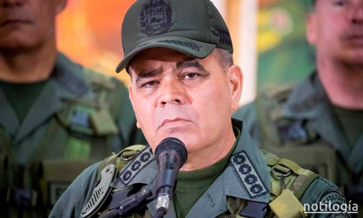 Padrino López: Van a tener que pasar por estos cadáveres