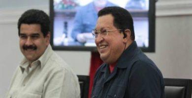 Chavez y Maduro
